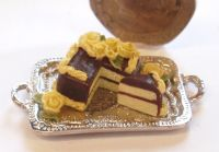 1:24th Scale Lemon and Chocolate Square Cake
