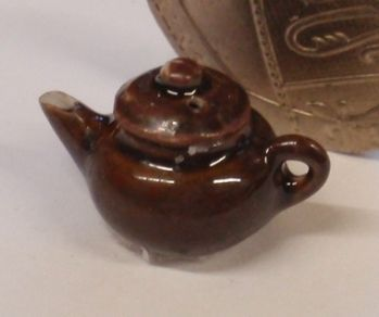 1:24th Brown China Teapot