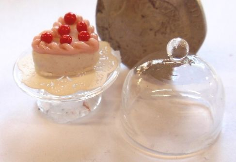 1:24th Cherry Heart Cake under Glass Dome