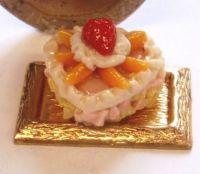 1:24th Scale Heart Shaped Peach Cake