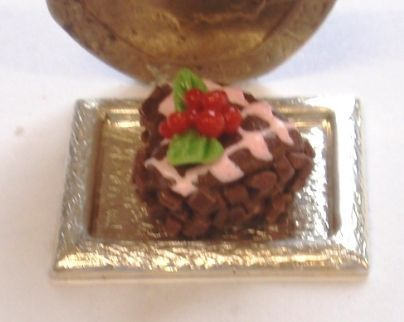 1:24th Scale Heart Shaped Chocolate and Cherry Cake